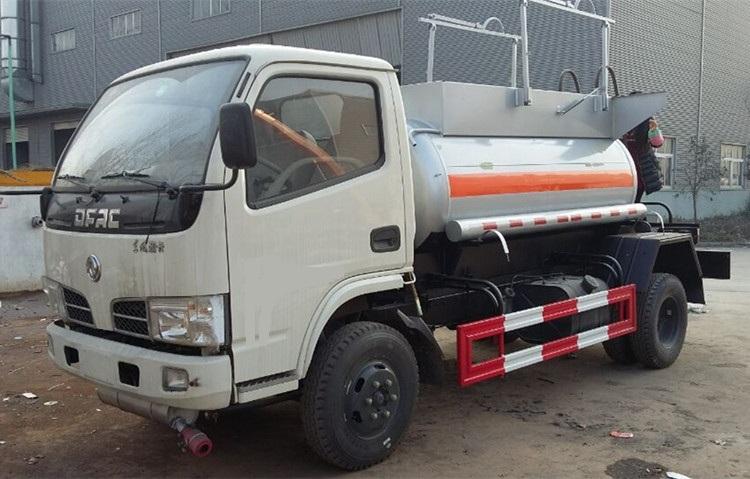 东风小多利卡【2立方】蓝牌易燃液体甲醇运输车